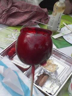 久々のリンゴ飴