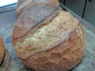 ムースアイス最中&エダムチーズ・ブラックペッパーのパン